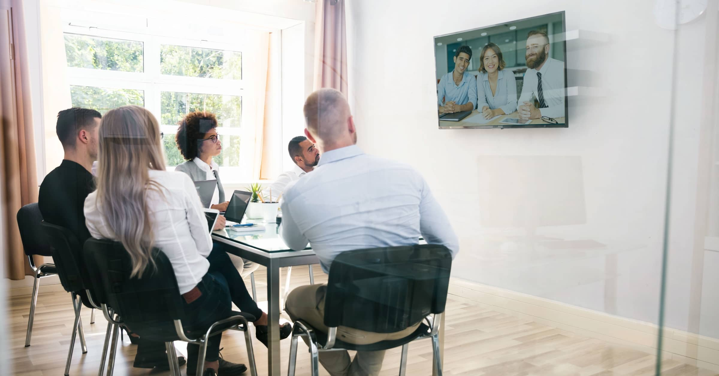 Increase collaboration between your remote team members for better efficiency and creativity. 7 tips for better cross-team collaboration.