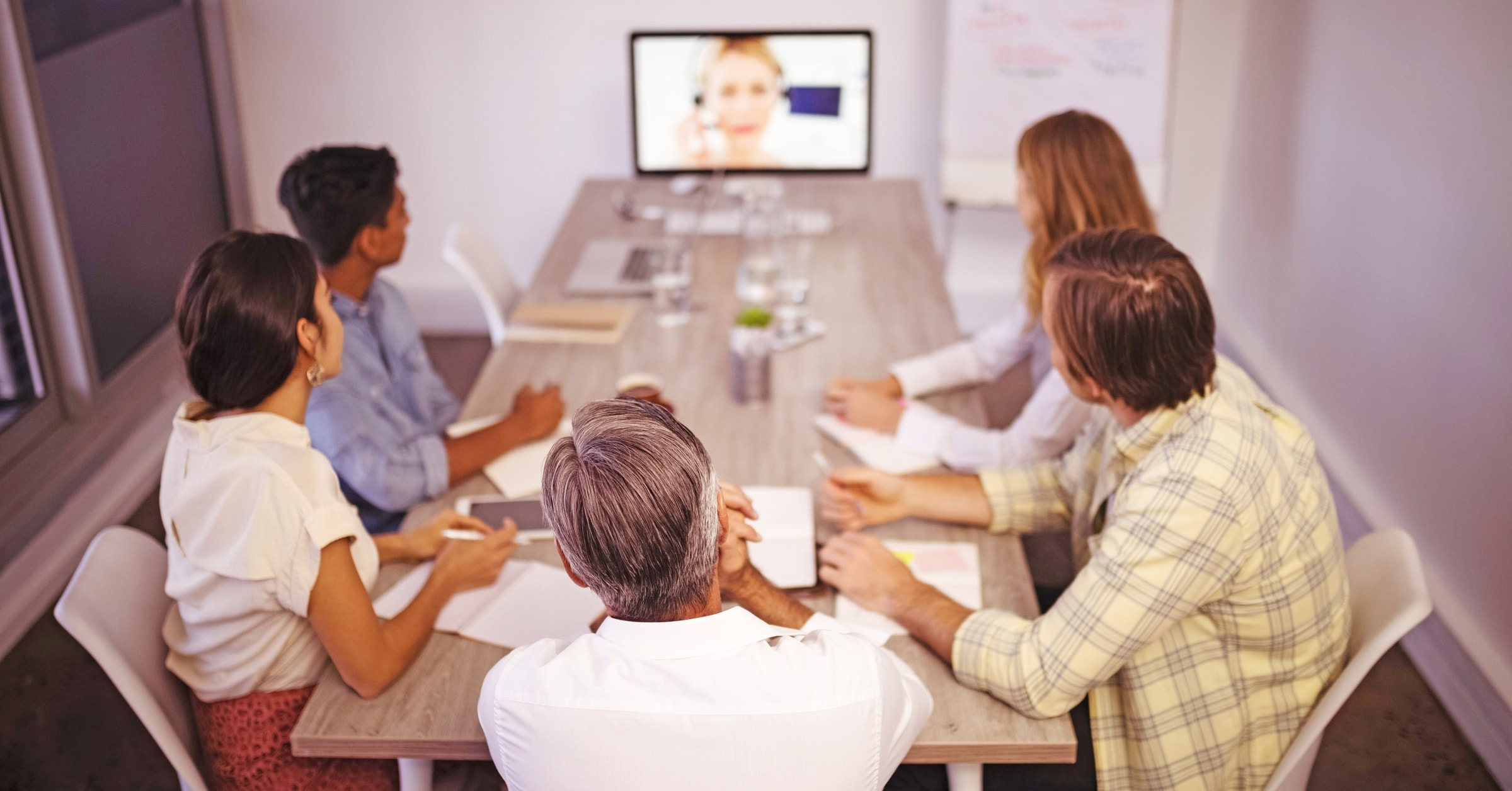 Meeting room layouts and BYOD policies don't have to cause complexity. Here's our checklist for video conferencing hardware and software requirements and considerations for 2019.